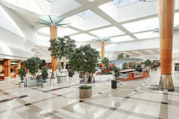 woodland mall shopping (1)